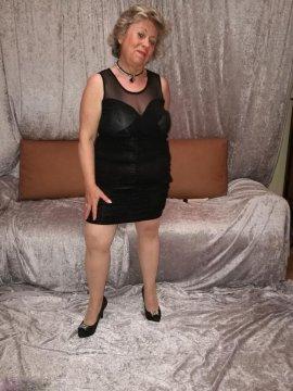 wOndrousLila from Sheffield,United Kingdom